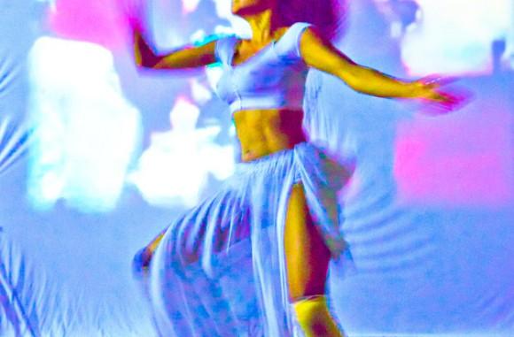 Ashai Lombardo Arop  :  danza