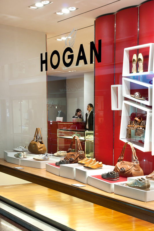Hogan Bologna Galleria Cavour Orari