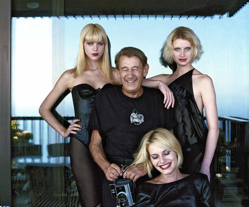 4_Helmut-Newton-with-models_Monte-Carlo_1997_copyright-Alice-Springs